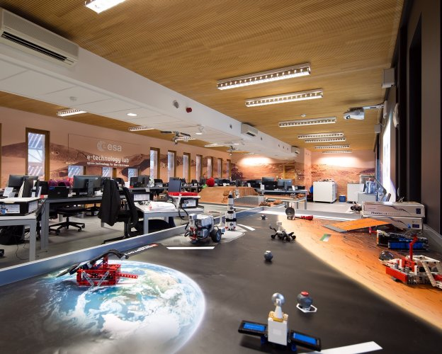 A cutting-edge ESA Centre with space to invest : GALAXIA is on the crest of a wave !